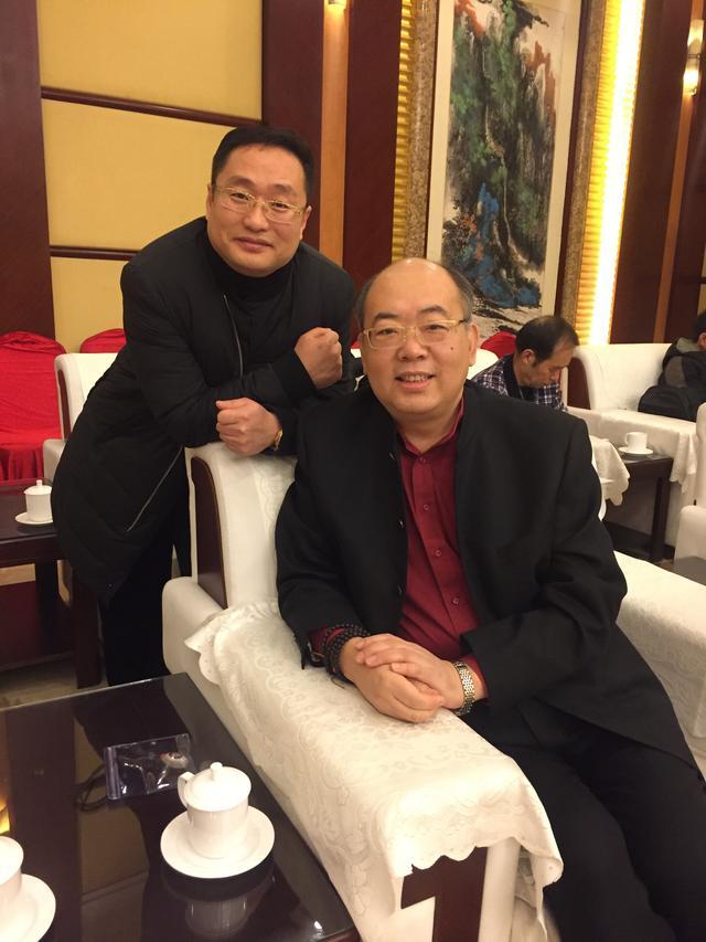 中国烟嘴收藏第一人白爱军与他的烟嘴收藏故事
